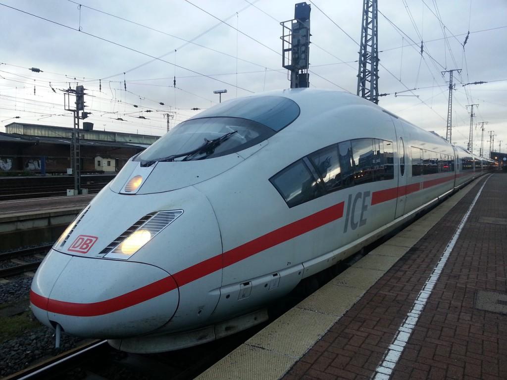 Bahn Gutschein zum Sparen bei der Fahrt im ICE