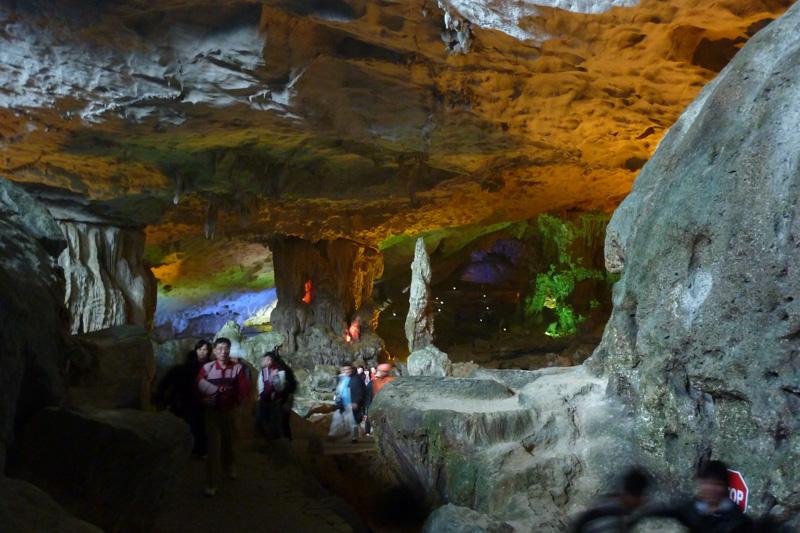 Halong Bucht: Höhle