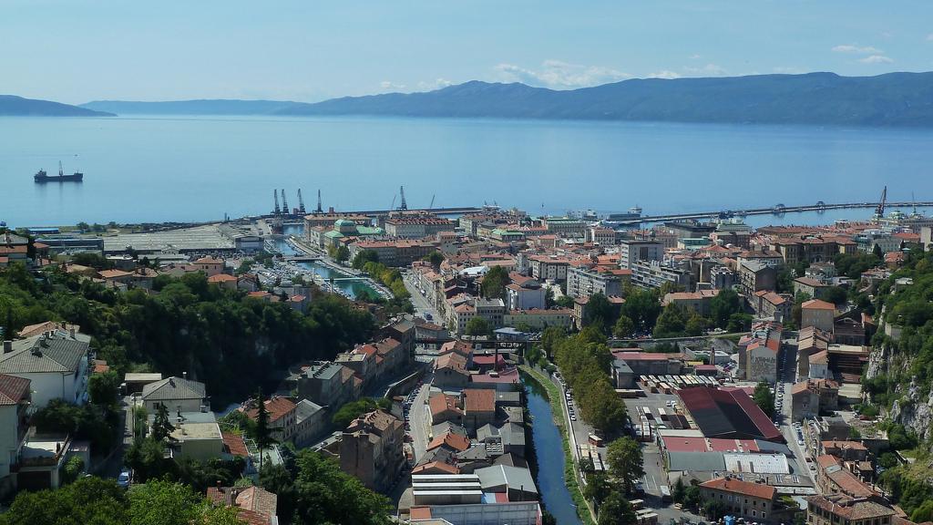Mit dem Zug nach Kroatien: Die Stadt Rijeka in der Kvarner Bucht