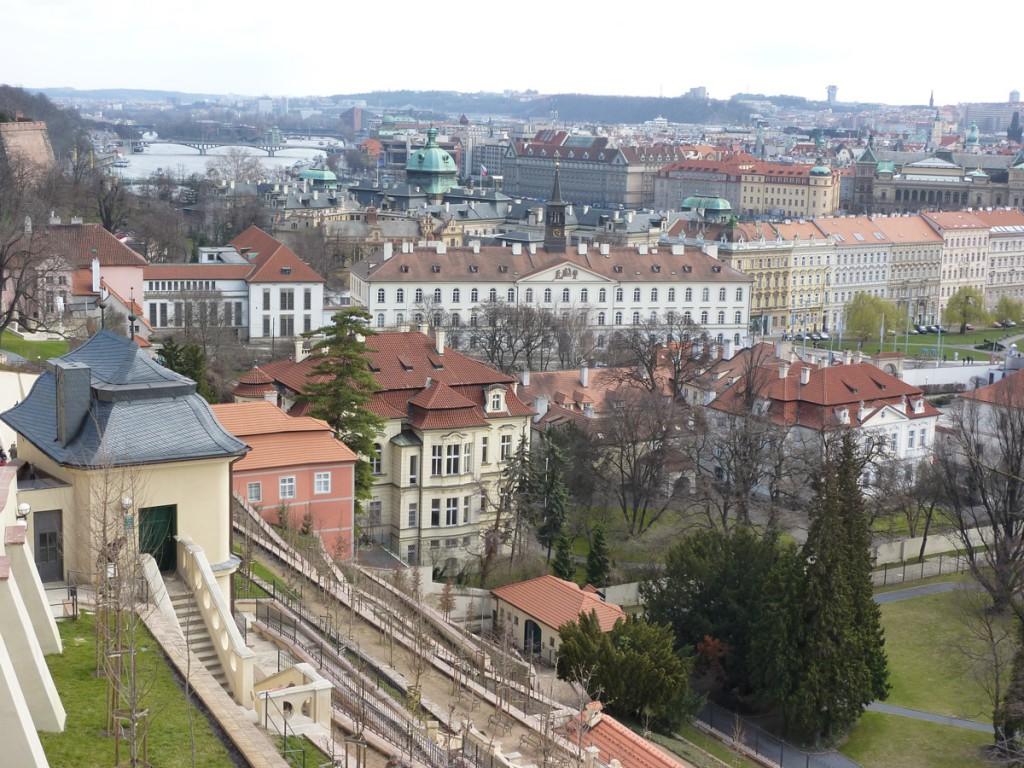 Mit dem Zug nach Prag