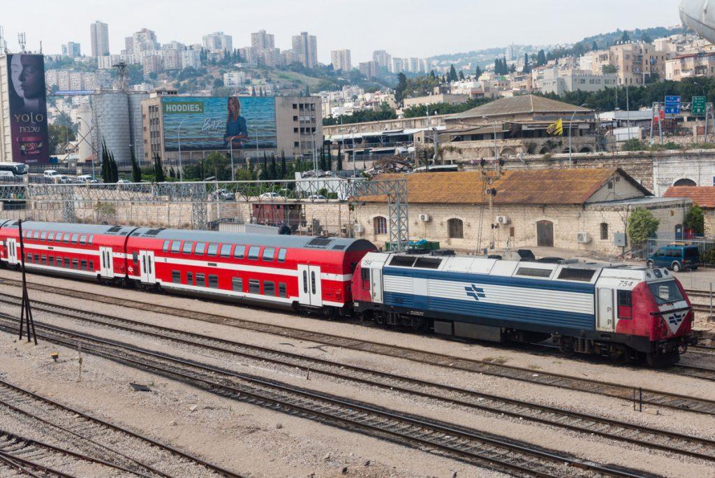 Doppelstock-Wagen in Israel