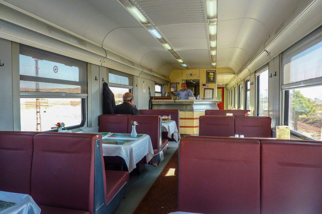 Speisewagen Bahn Türkei