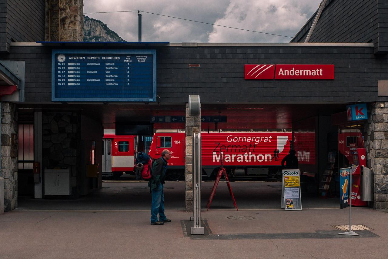 Glacier Express Tickets Bahnhof